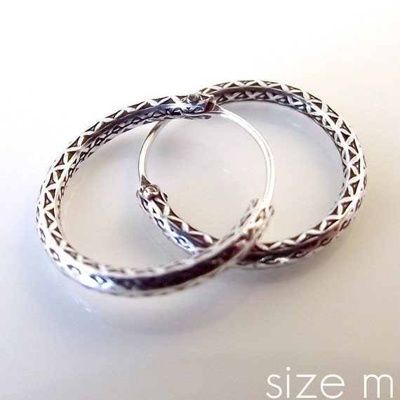 925 Sterling Silver Hoop Earrings - Huggie Style earrings for men or women - Textured Silver (551A)