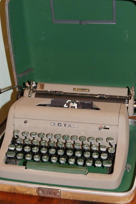 SALE Mid Century 1956 Royal Aristocrat Typewriter with Case