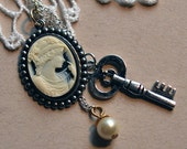 Jazz age - 20s inspired charm necklace