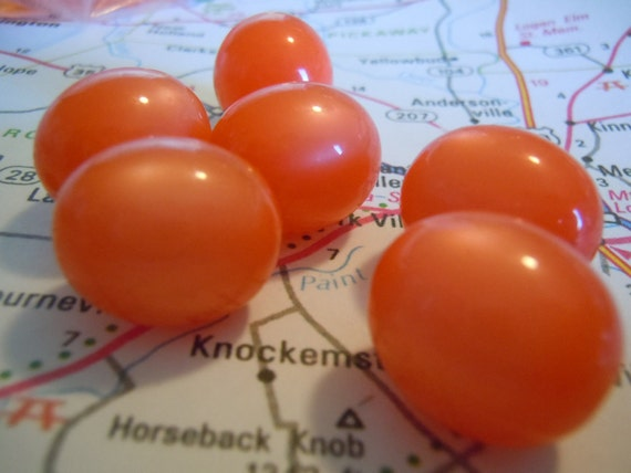 Vintage Tangerine 18x16mm Moonglow Lucite Beads - emg48