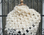Crochet Puffy Shawl Scarf Neckwarmer Ivory