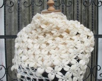 Crochet Puffy Shawl Scarf Neckwarmer Ivory