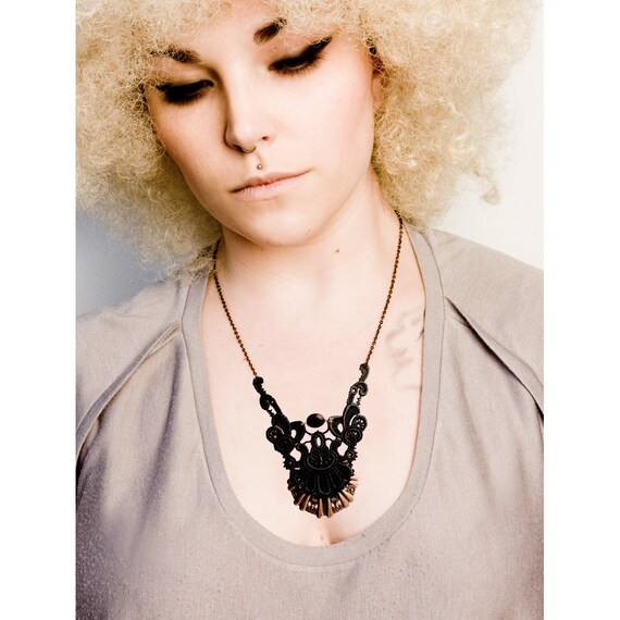 Lace necklace - Mayan - Dark grey and bronze