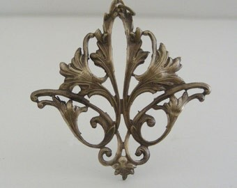 Pendant Victorian Beauty Large brass for Necklace