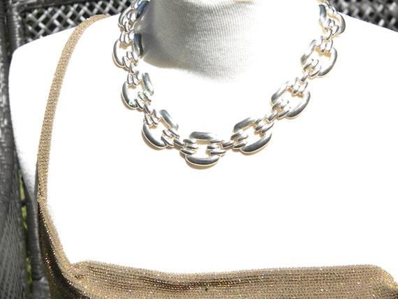 Silver tone Large Link Vintage Necklace.