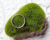 Solo Simple Hammered Ring