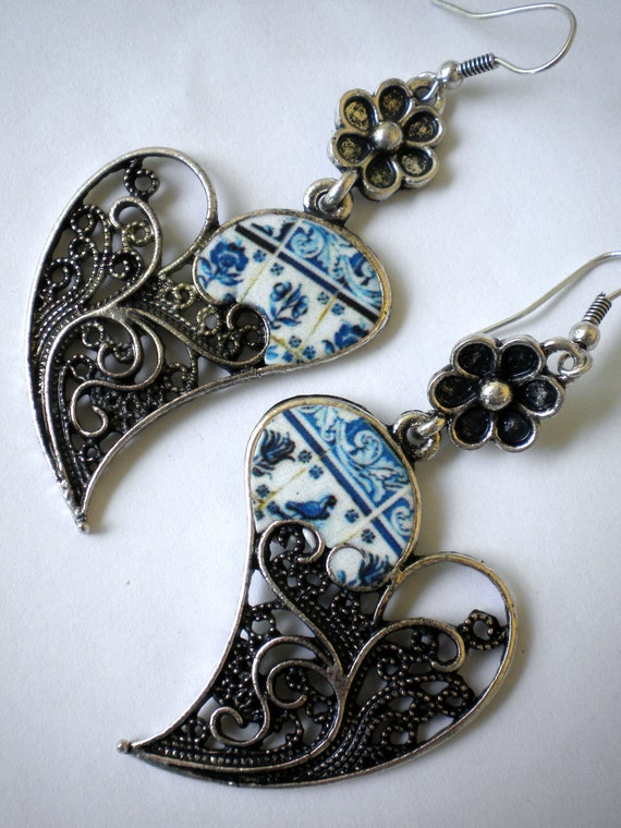 Portugal Lisbon Delft Blue Antique Tile Replica 1837 in Filigree Heart of Minho Earrings Reversible