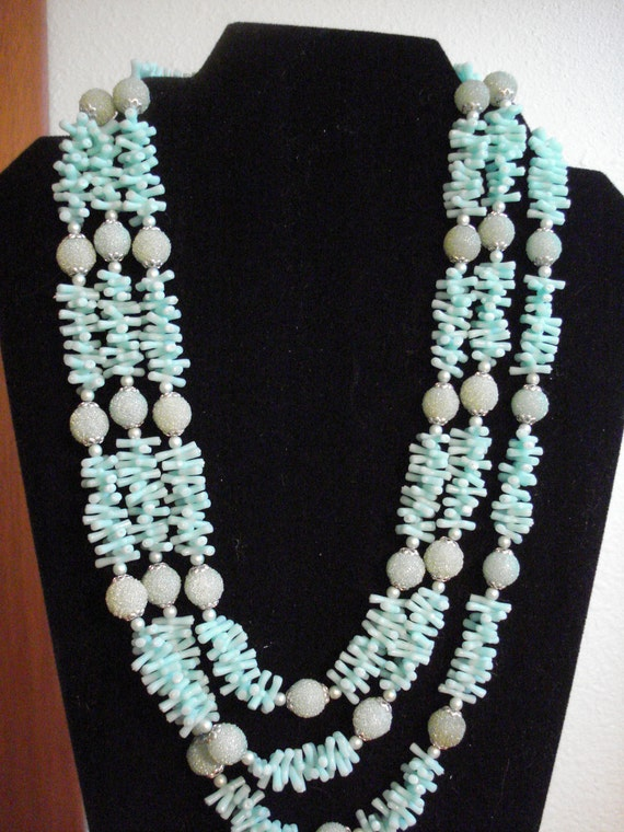 Vintage Mid Century Mad Men 3 Strand Faux blue Coral Necklace Hong Kong