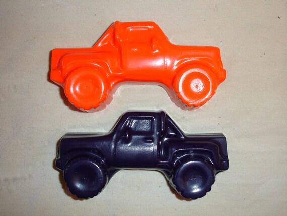 Jumbo truck crayons
