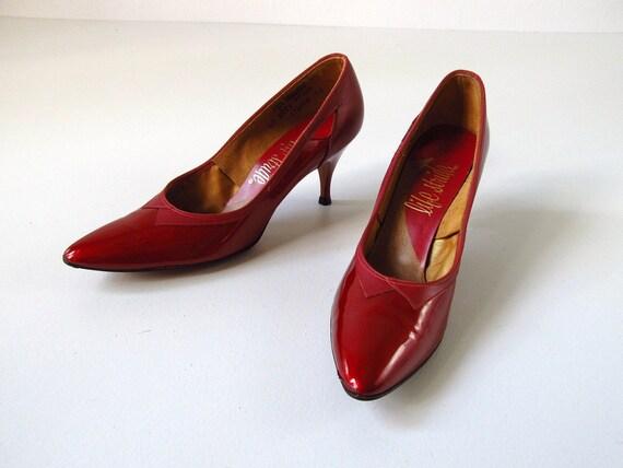 vintage Stiletto Shoes  / 60s Stiletto Shoes /  Red / Size 6