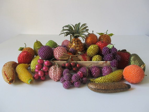 vintage 1950s  Hand Beaded Fruit / 1950s Kitchen Decor / Kitsch