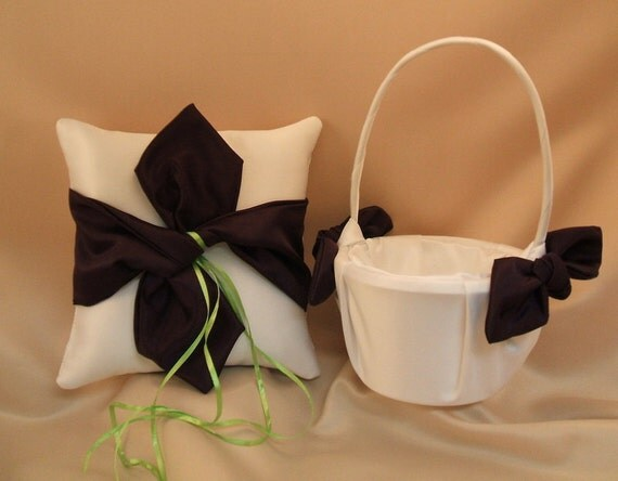 Knottie Style Flower Girl Basket and Ring Bearer Pillow Set...You Choose The Colors..shown in white/eggplant