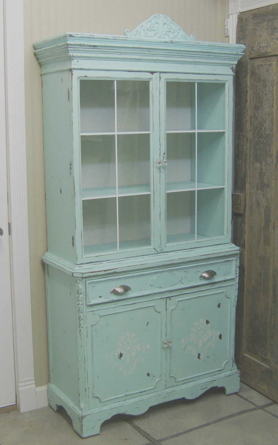 shabby 1940 39 s aqua painted china cabinet cupboard. Black Bedroom Furniture Sets. Home Design Ideas