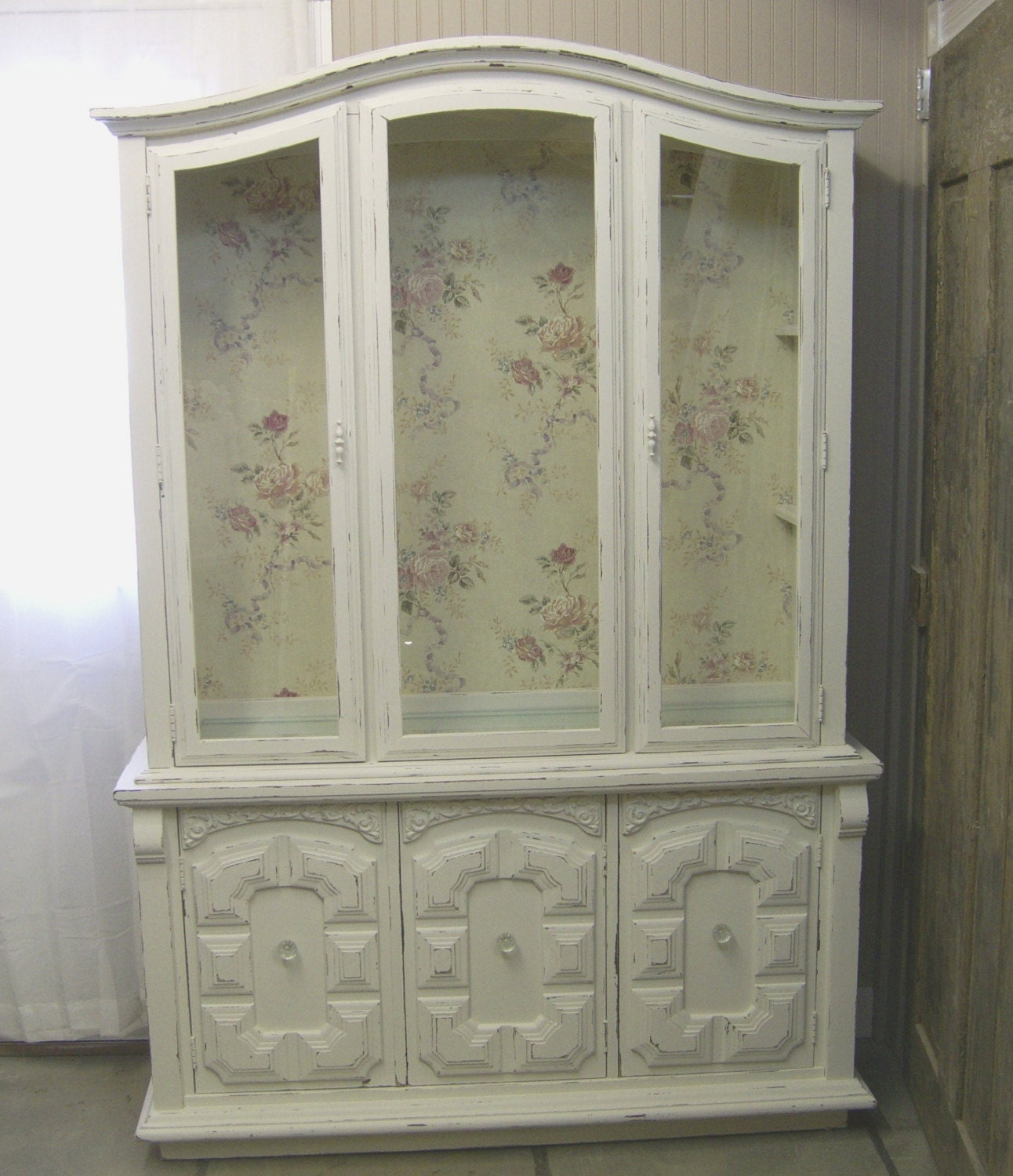 shabby white painted china hutch chic. Black Bedroom Furniture Sets. Home Design Ideas