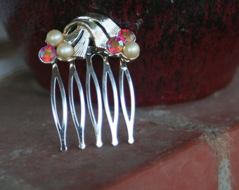 H124 Hyacinth AB and Pearl Vintage CORO Upcycled Rhinestone Hair Comb