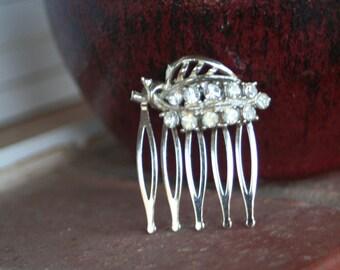 H161 Upcycled Diamond Rhinestone Leaf Vintage Hair Comb