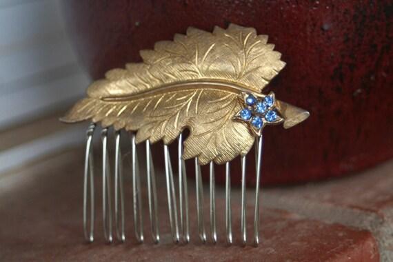H34 GORGEOUS Something Blue Flower Vintage Upcycled Gold Leaf Rhinestone Hair Comb
