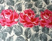Vintage Cotton Quilt Fabric - 50s RED ROSES