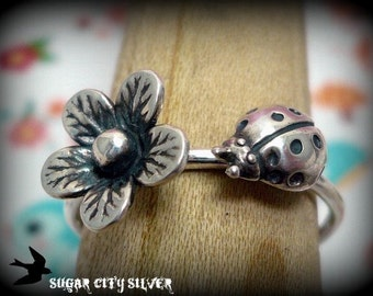 Sterlling Silver Ladybug and Flower Blossom Ring