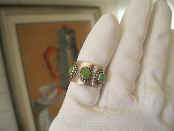 Vintage Ring Hammered Sterling Silver Turquoise Green Tones Size 7