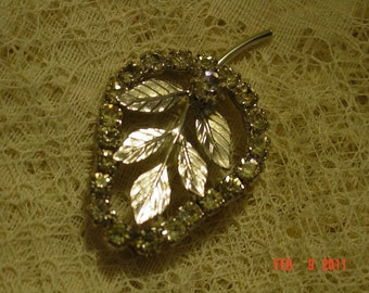 Vintage Rhinestone and Silvertone Leaf Pin
