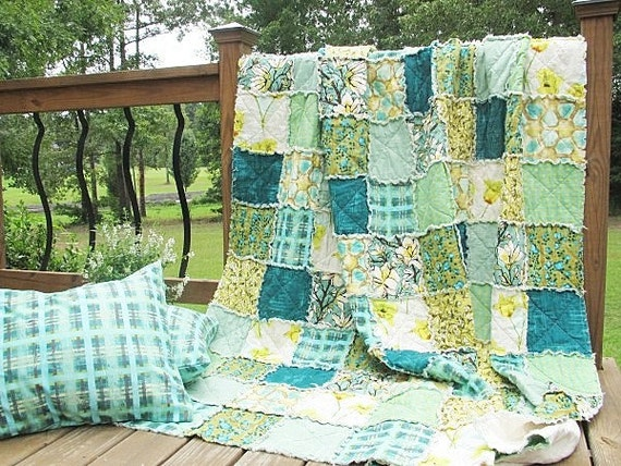 Queen Size Quilt with 2 Shams, Rag, Magnolia Lane, blue green cottage look, ALL NATURAL, fresh modern handmade