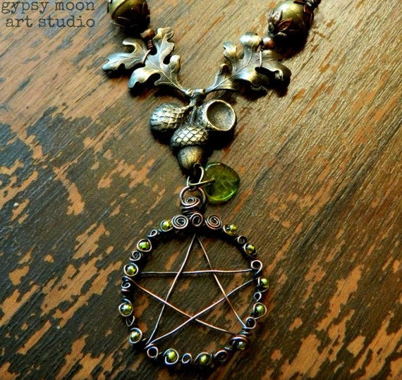 Oak and Acorn Pentacle Necklace.  Copper and Brass Wire Wrapped Pentacle Pentagram Necklace with Green Beads and Oak Leaves and Acorns.