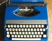 Vintage 1960s Royal Ranger Manual Typewriter
