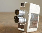 Vintage 1950s Revere Eight 8mm Movie Camera .. Model 84