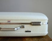 RESERVED .. Vintage 1960s Medium Hard-Shell American Tourister Tiara Suitcase .. White