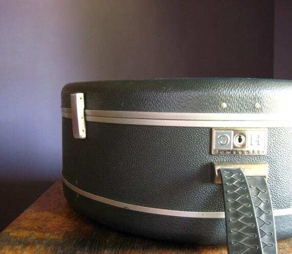 Vintage Samsonite Silhouette Round Case .. Charcoal Gray