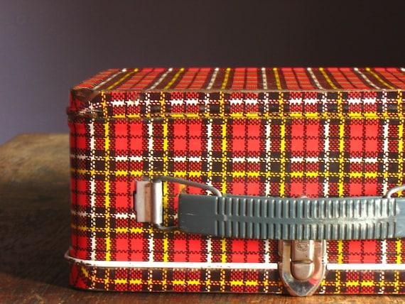 Vintage 1960s Scotch Plaid Lunchbox .. Ohio Art