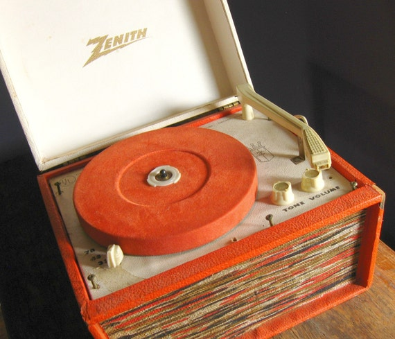 Vintage Zenith Portable Record Player Model Hp 6v
