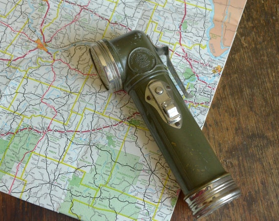 Vintage Working 1940s Boys Scout L-Neck Flashlight