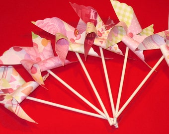 Love Blooms Pinwheels -   ( Qty 12) Pinwheels, Pinwheel Center Pieces, Decorative Pinwheels, Table Top Center Pieces, Table Top Party Props