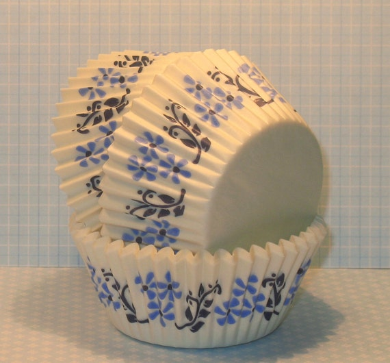 Blue Danish Floral Cupcake Liners   (50 Qty)