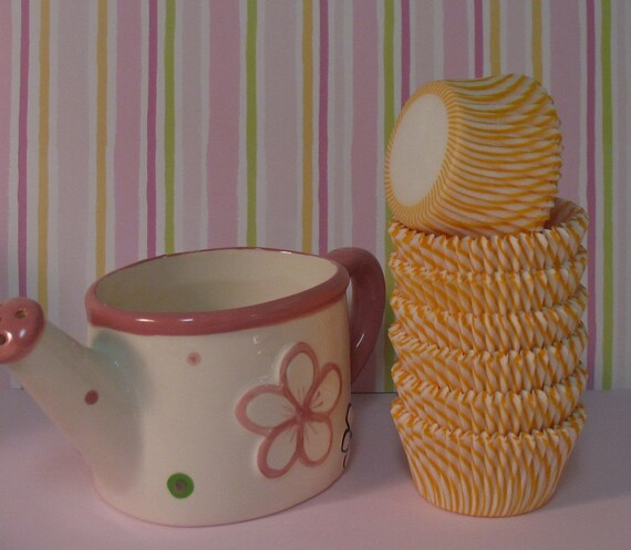 Sunset Yellow Carnival Stripe Cupcake Liners   (Qty 50)