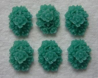 12 teal green 18x13 cluster flower cabs