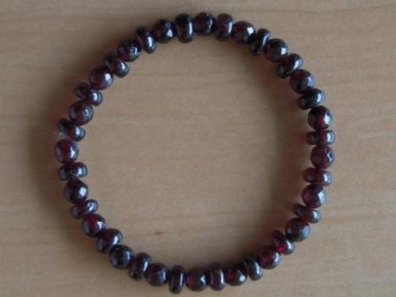 Garnets Grade AA Mix for a 7.5 Inch Wrist stones are 4-6mm