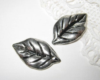 20 pcs Antique Silver Leaf Charm (CM-023-S)