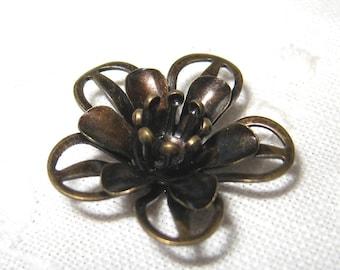 8 pcs Vintage brass filigree flower bead / cap -(Cap025)
