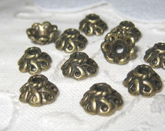 30 pcs Antiqued brass bead caps  (CAP004)