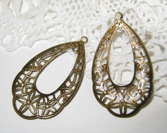 20 pcs - Antique brass filigree charm/findings (FIND-020)