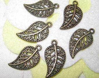 19mm - Vintage brass filigree leaf charms - 20 pcs