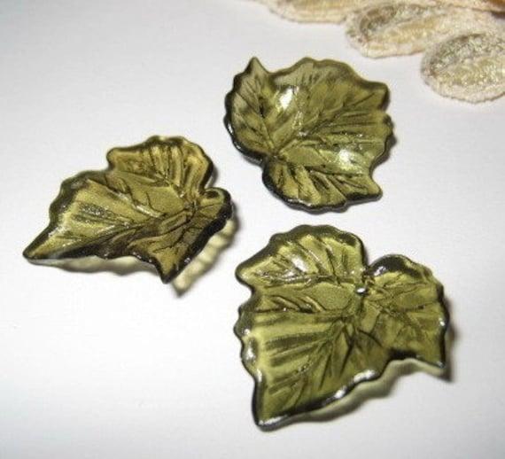 23mm - Acrylic leaf bead charm - 12 pcs (LE-015-D)