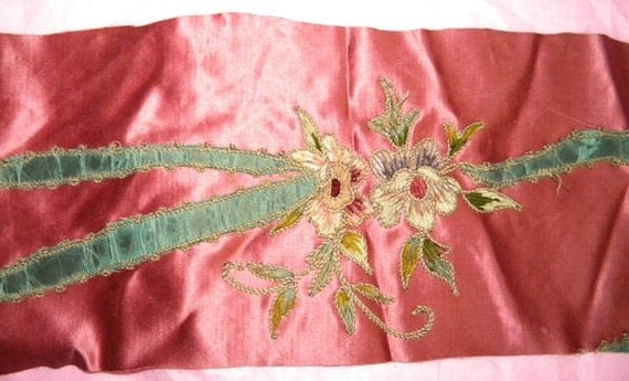 Lovely Antique Chenille Silk Embroidered Applique Piece