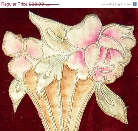 ON SALE Pretty Arts and Crafts Period Vintage Embroidered Floral Applique Trim