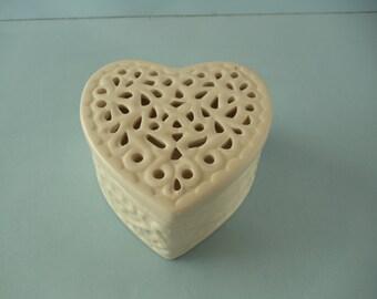 White Filigree Heart-Shaped Trinket Box