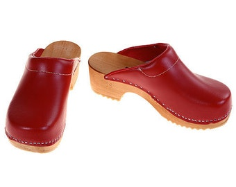 Clogs red with pad