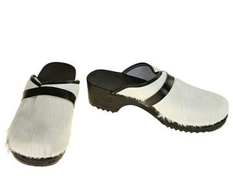 Classic Cowhide Clog  ( uni white / black sole )